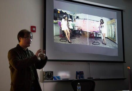 Chin-pao Chen lecturing to CSU photo students.